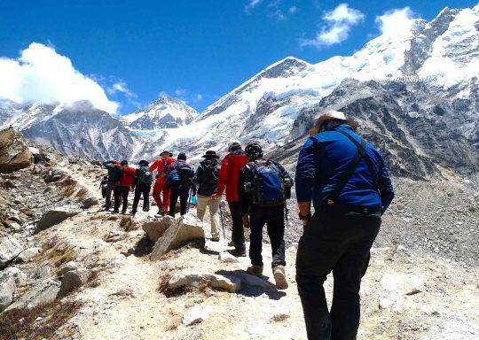 walking-in-himalayas