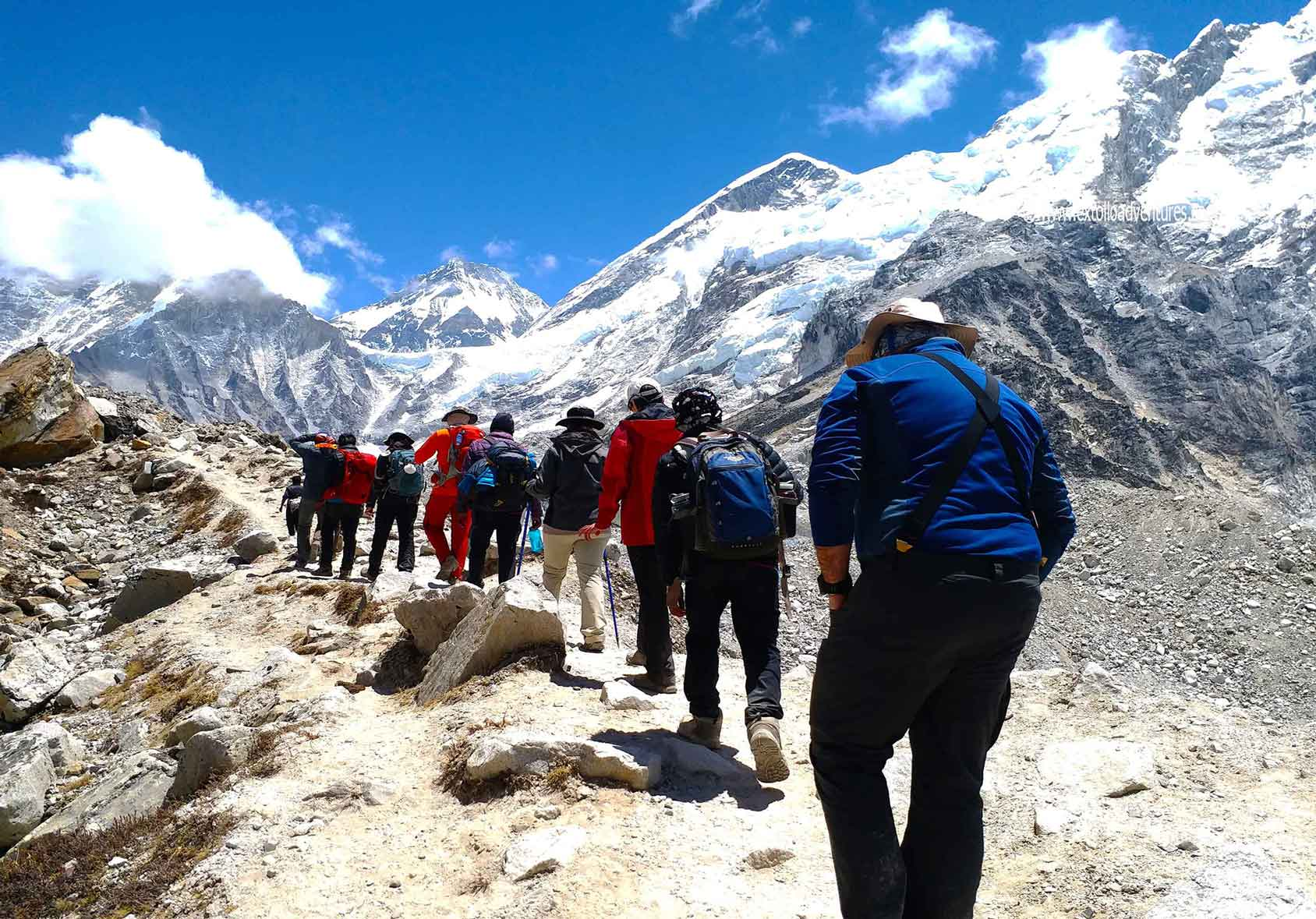 walking-in-himalayas