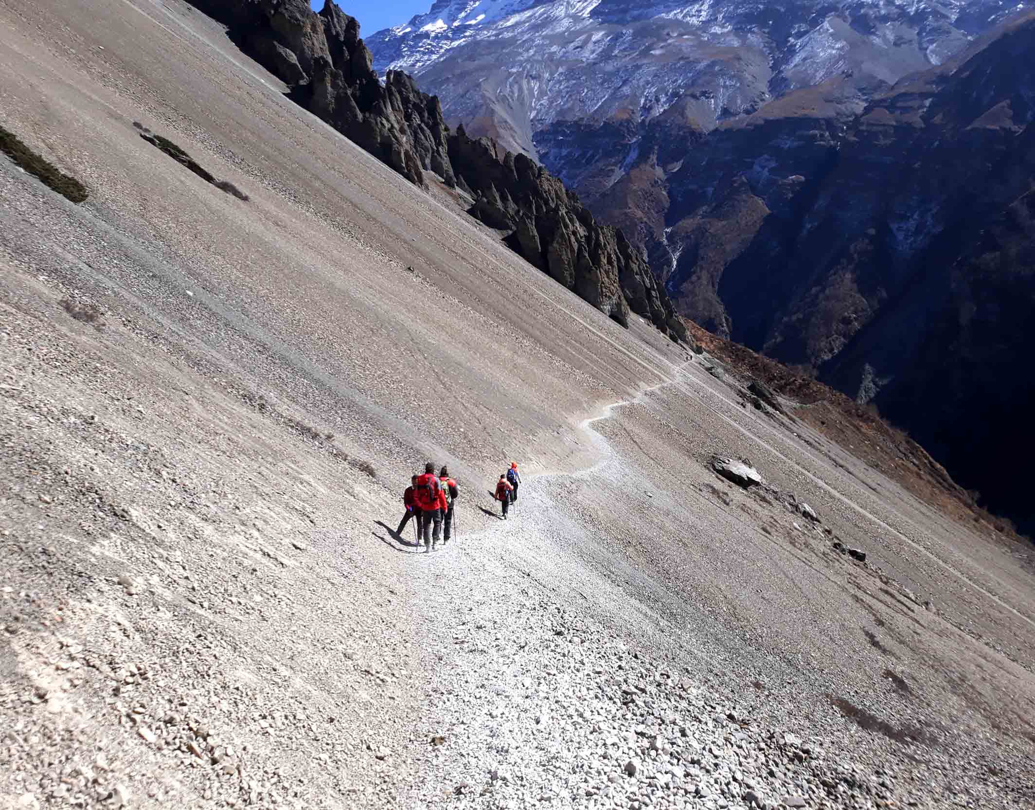 Trekking-trail-to-Tilicho-Lake